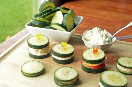 Cucumbers-and-cheese-sandwiches