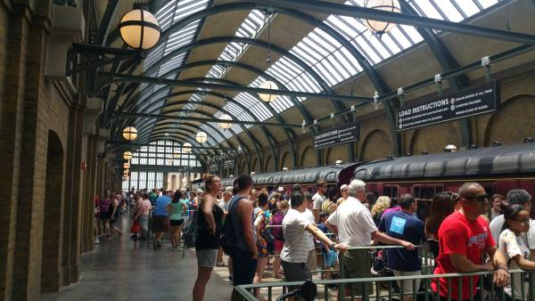 Have a Park to Park ticket? Board the Hogwarts Express to transfer between parks!